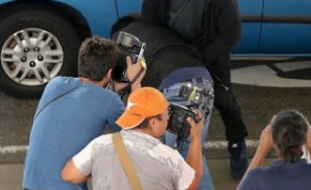 Celeb Gist : New York based OAP says Kanye West's paparazzi assault was a publicity stunt