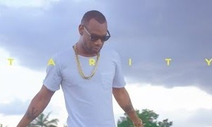 "VIDEO : D'Prince – ""Tarity"" f. Phyno"