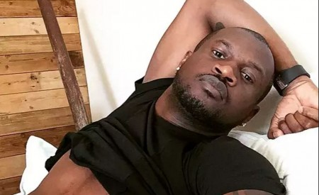 VIDEO : Peter Okoye Caught Sending nud-e photos in new comedy skit