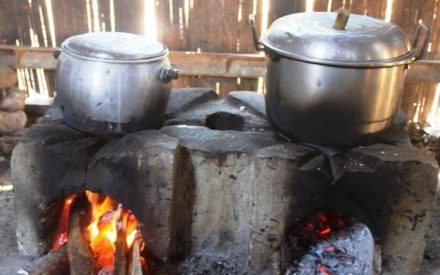 Kwara Residents Lament the Increasing Theft of Cooked Food on Fire