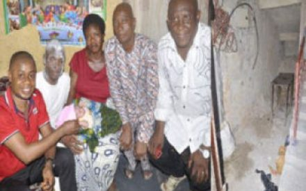 Bank Staff Gives Birth In Aba Market